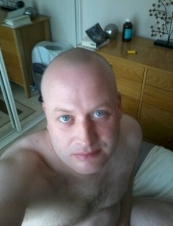 Stu 35 y.o. from UK