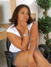 Efua from USA 34 y.o.