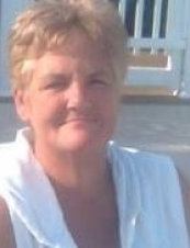 Sandra 64 y.o. from USA