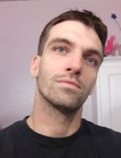 Roberto 33 y.o. from USA